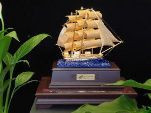 Biểu trưng thuyền thuận buồm xuôi gió